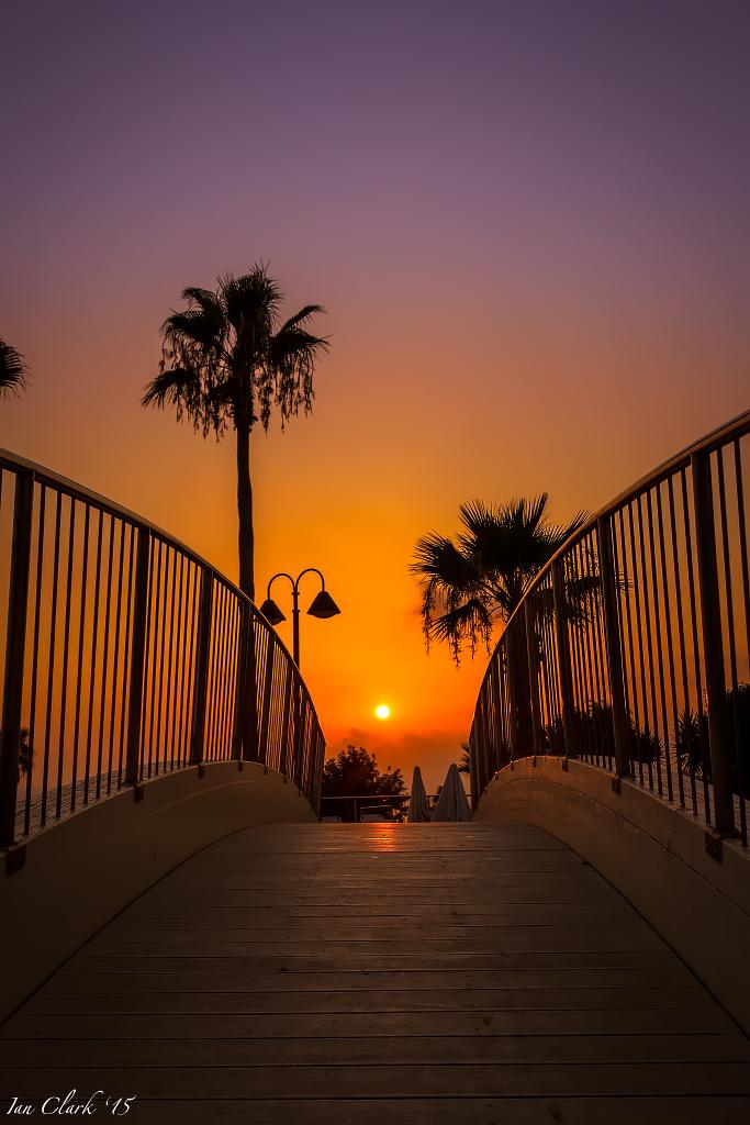 IMAGE: https://ipc.smugmug.com/Sunsets/Sunsets/i-B8ZLJnm/0/O/2015-8214.jpg